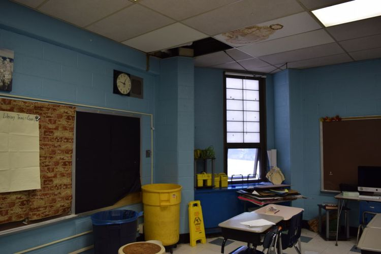 711368104482106532-kelly-leaky-roof.full